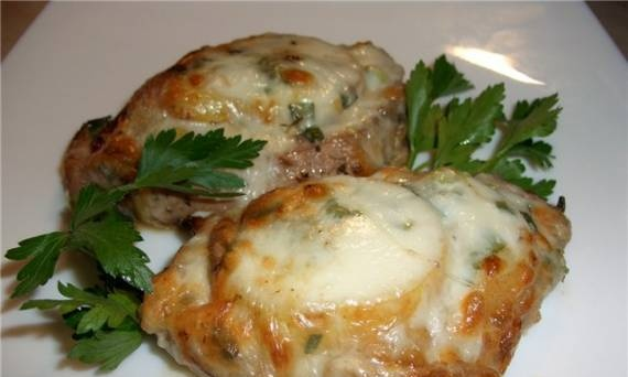 Turkey steaks baked with cheese