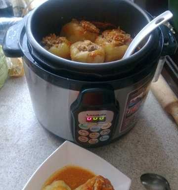 Peppers stuffed in the LandLife pressure cooker