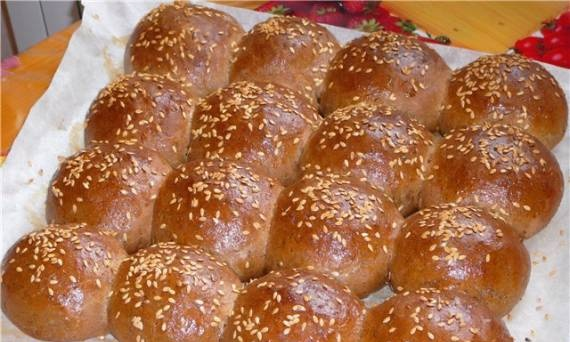 Wheat-rye buns with malt (oven)