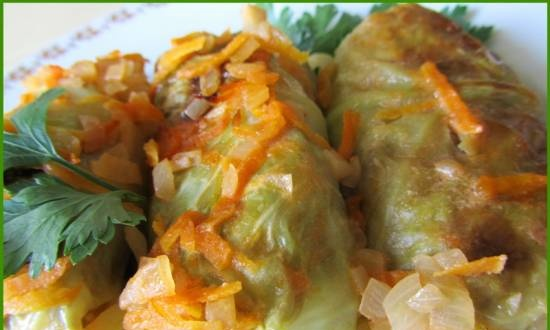 Cabbage rolls in a slow cooker