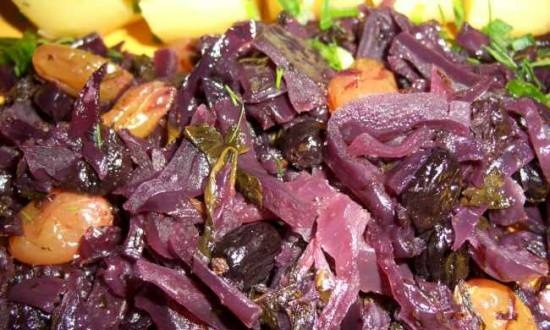 Red cabbage with spinach