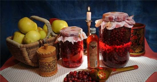 Lingonberry water
