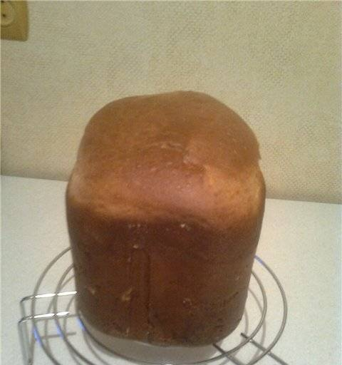 Easter cake in a bread maker in two tabs