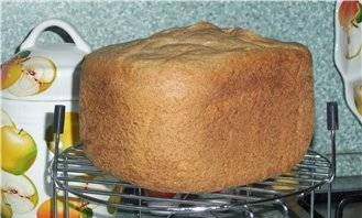 Wheat-rye bread with whole grain flour and caraway seeds