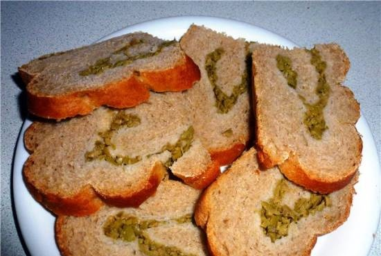 Rye-wheat bread with olives (kneading and proofing in HP Brand, baking in the oven)