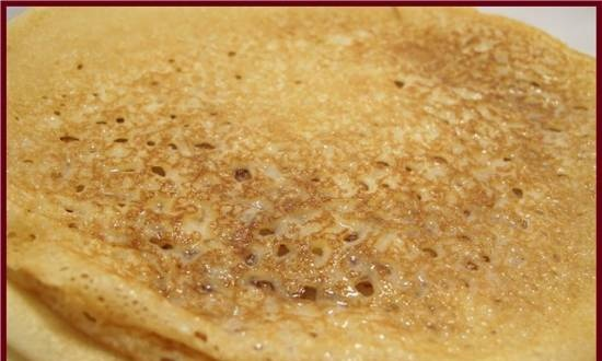 Lean pancakes with syrup