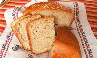 Bork. Wholemeal bread with sesame seeds.
