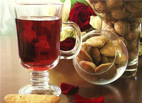 Cookies with warm wine from the movie Le fabuleux destin d`Amelie Poulain (Amelie)
