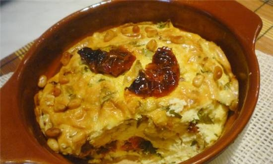 Cottage cheese casserole with sun-dried tomatoes and basil