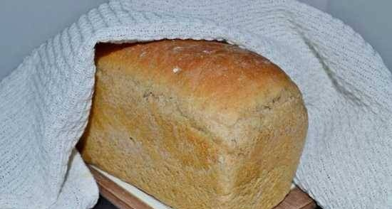 Wheat-rye bread with soft cheese and lavender