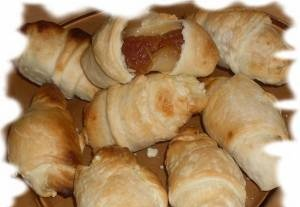 """Mini croissants in the Grill Gas frying pan from the movie """"Simple Difficulties"""""""