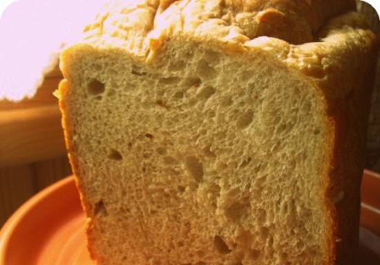 """Brand 3801. Bread with the addition of a mixture """"Chestnut-fig-hazelnut"""" on program 3 - whole grain or rye."""