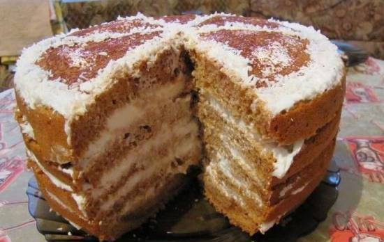 Honey cake in a slow cooker