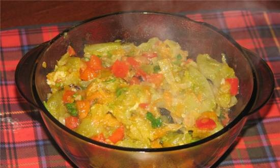 Green tomato caviar with vegetables