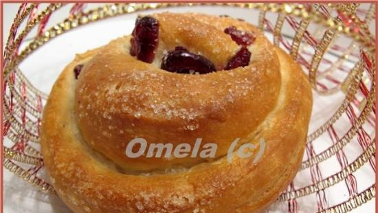 Cheese buns with cranberries