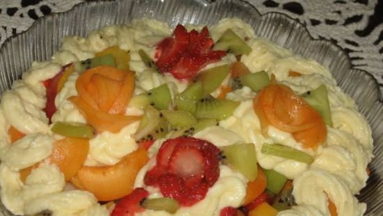 Fruit salad with apricots