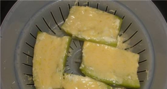Zucchini with cheese in a multicooker Element FWA 01 PB El