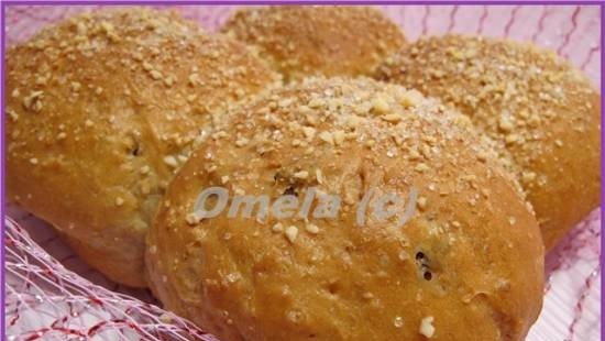 Sweet buns with oatmeal