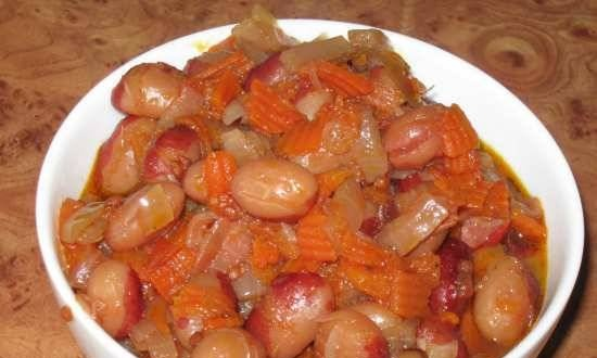 Beans with vegetables in the Comfort Fy 500 pressure cooker