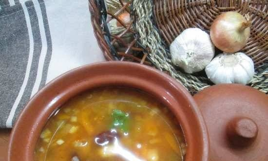"""Bean soup with spices """"Three beans"""""""
