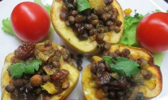 Apples stuffed with spiced lentils