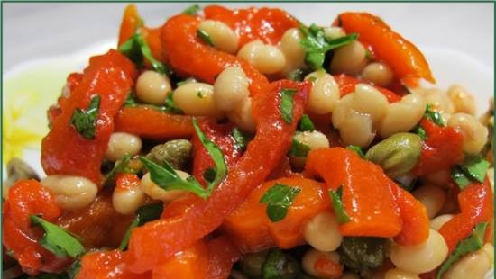 Bean salad with baked pepper