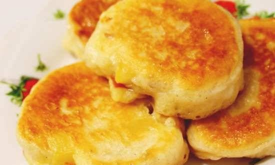 Fritters with apples and cinnamon