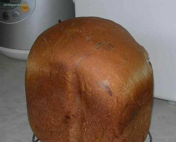 Bread with smoked cheese chechel Pigtail (bread maker)