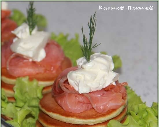 Fritters with salmon and curd cheese