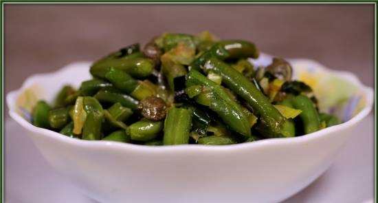 Warm green bean salad with capers