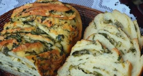 Kranz with cheese and herbs