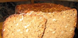 Rye bread with flax and sunflower seeds