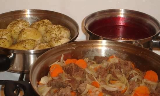 Meat stew with lingonberry sauce