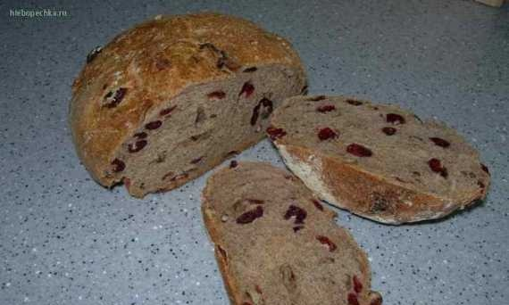 Rustic bread with dried cranberries and pecans