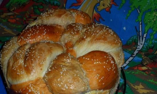 """Bread """"Friendship"""" on the birthday of the Mcooker site: the best recipes"""