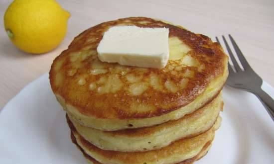 Pancakes with ricotta and lemon