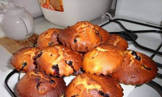 Muffins with black currant (kefir)