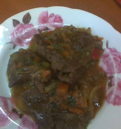 Liver in vegetable sauce