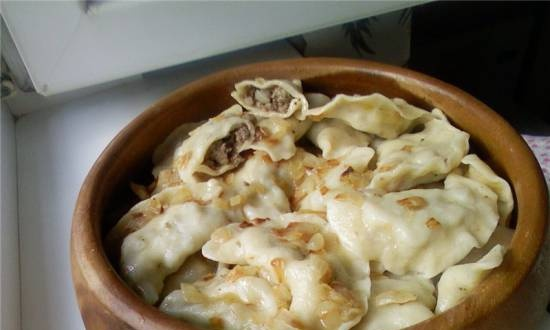 Dumplings with meat and fried onions with kneading dough in a Panasonic SD-2501 bread maker
