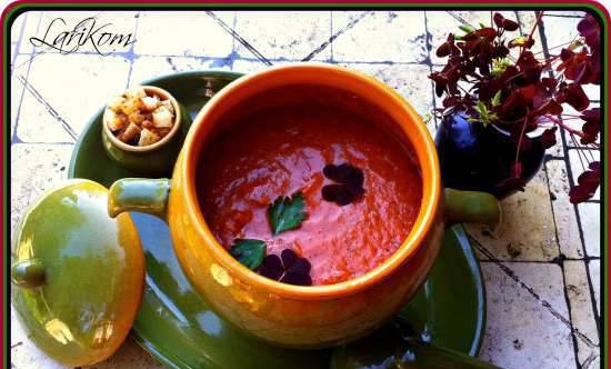 Gazpacho with red sour