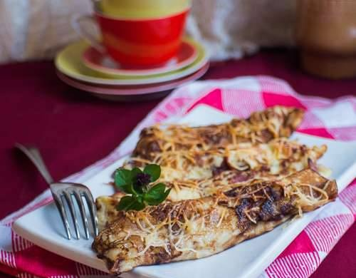 Pancakes with baked bacon and cheese (Speckpfannkuchen)