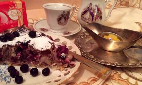 Pancakes with cottage cheese and black currant (Topfenpalatschinken)