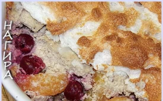 """Casserole """"Curd-banana with berries"""""""