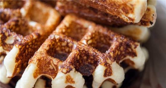 Cottage cheese waffles in a waffle iron GF-020 Waffle Pro