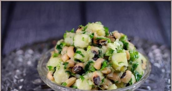 Warm salad with potatoes and beans