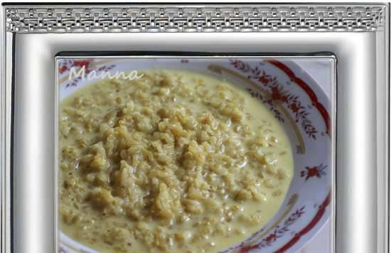 Spicy porridge made from sprouted rice with milk (multicooker Philips HD3197)