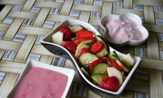 Fruit and vegetable salad with two dressings