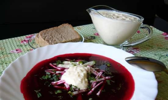 Beetroot with mashed tomatoes and egg-sour cream dressing