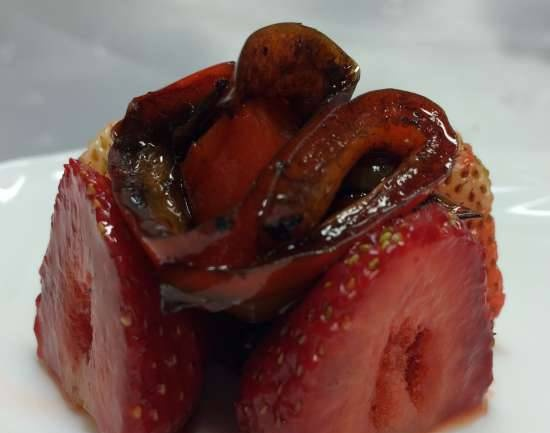 Pepper with strawberries