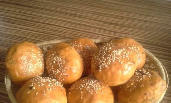 Tomato buns with sun-dried tomatoes (kneader: kenwood cooking chef)